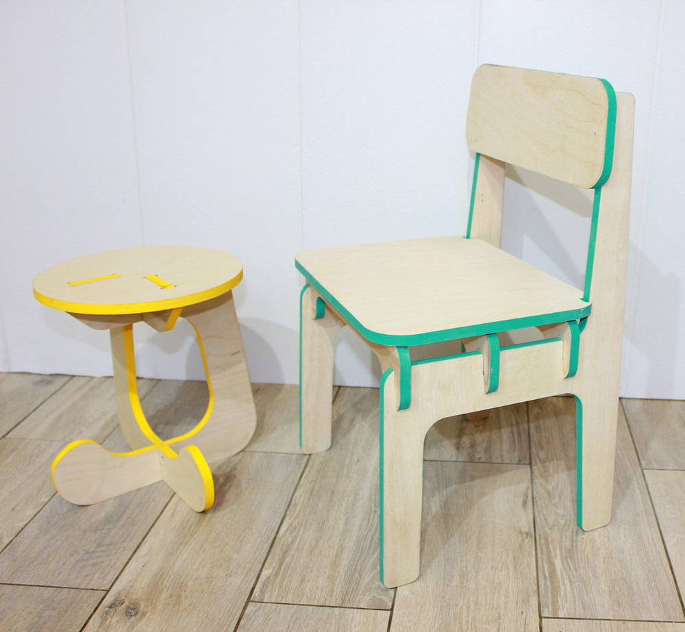 furniture-children-stool-and-highchair-free.jpg